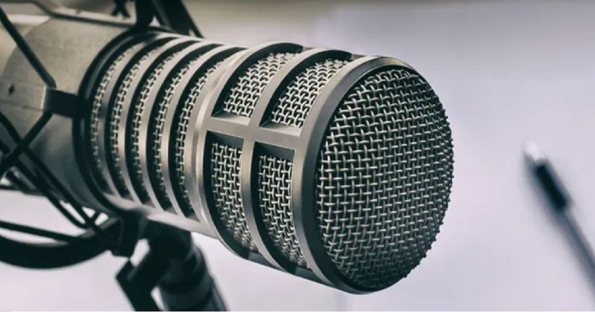 SIX ENTREPRENEUR AND SMALL BUSINESS PODCASTS TO PUT ON YOUR PLAYLIST