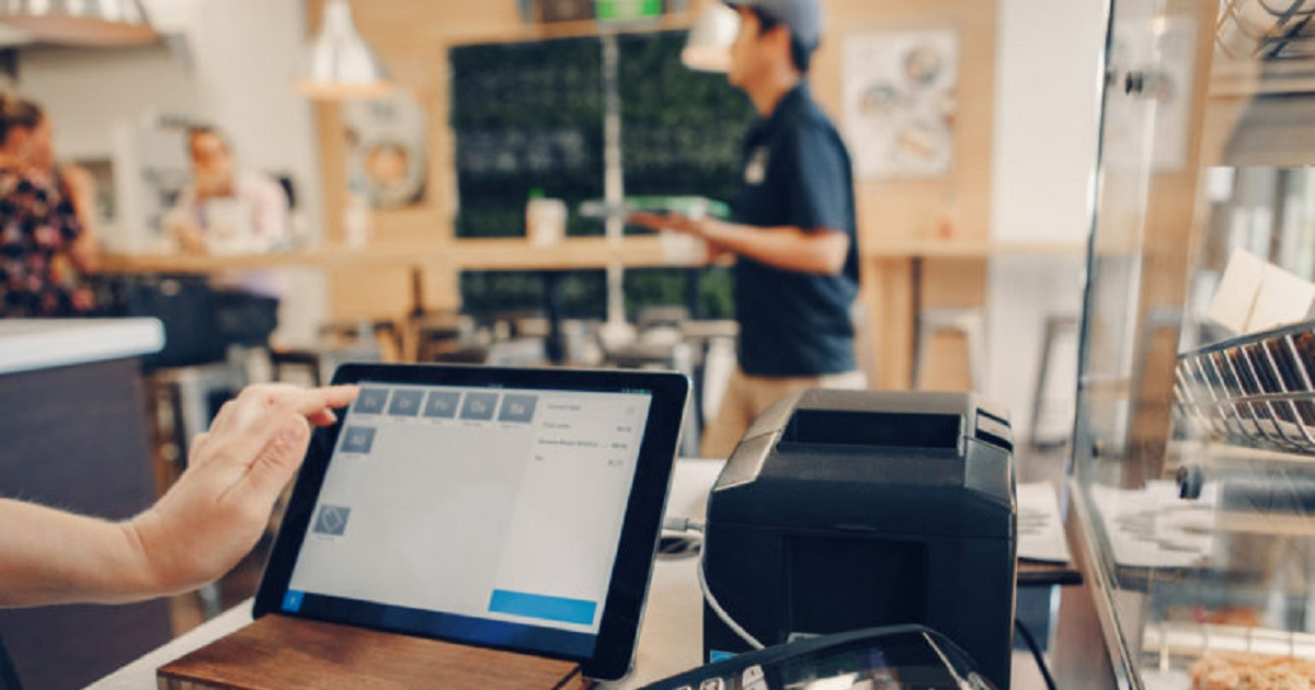 10 SMALL BUSINESS TECHNOLOGY TIPS TO HELP YOU SUCCEED