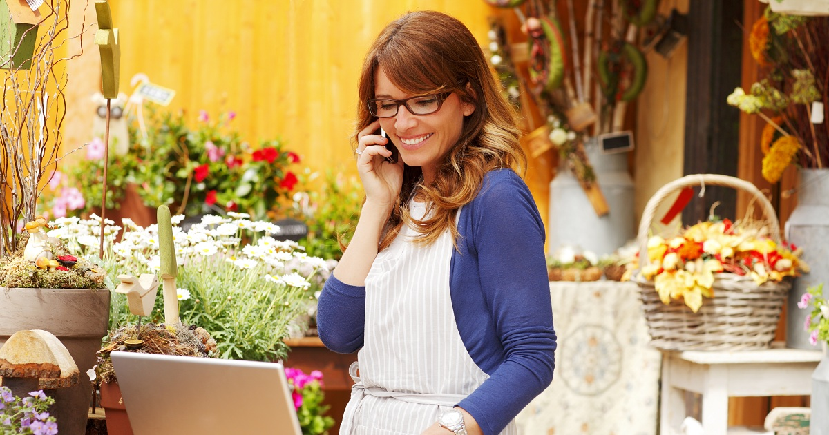 HOW TO USE AN ONLINE MARKETPLACE TO BOOST YOUR SMALL BUSINESS SALES
